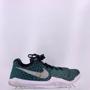 Nike Kobe Basketball Shoes Size 10.5